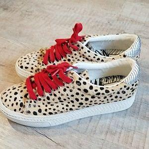 Dolce Vita Zalen leopard calfhair sneakers size 7